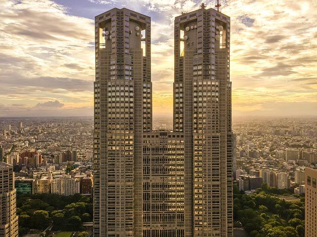 skyscrapers-1670937_640